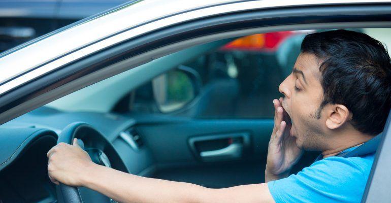 Kenali Tanda-Tanda Kelelahan Saat Mengendarai Mobil