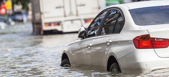 Waspada, Begini Perlakuan Untuk Mobil Jika Terendam Banjir