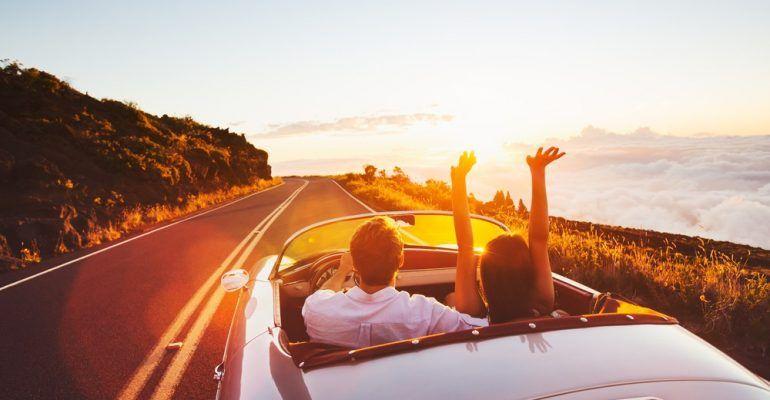 Mau Tahu Bagaimana Tips Berkendara Mobil yang Aman Saat Liburan?