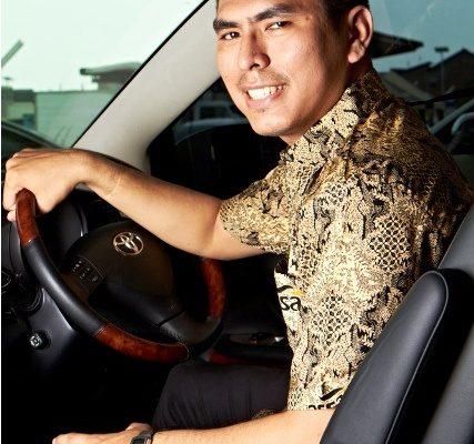 Teguran Pengemudi Sewa Mobil ASSA Rent untuk Menteri ESDM