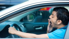 mengantuk saat berkendara bisa berbahaya